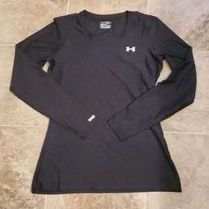 Under Armour fitted heatgear black long sleeve top